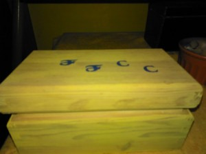 File Replacement Buttons and Yarns - wooden file box