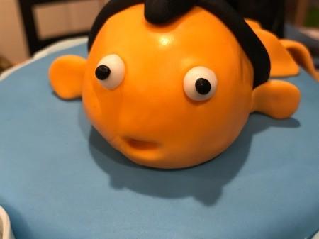 'Sharky' Goldfish Birthday Cake - add black fondant pupils