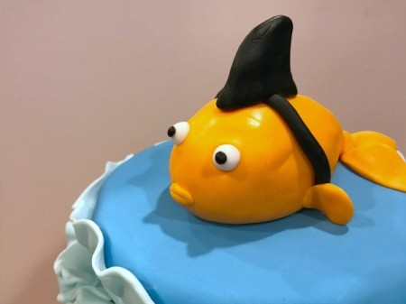 'Sharky' Goldfish Birthday Cake - view of finished cake topper