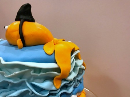 'Sharky' Goldfish Birthday Cake - view of the goldfish's tail from the side back