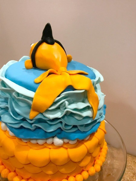 'Sharky' Goldfish Birthday Cake - view of the tail from the back