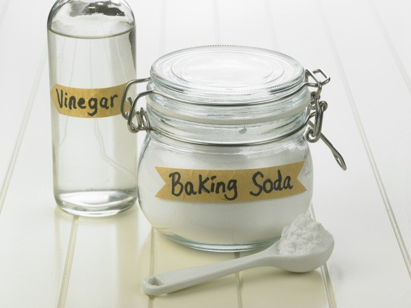 cleaning with baking soda and vinegar thriftyfun. Black Bedroom Furniture Sets. Home Design Ideas