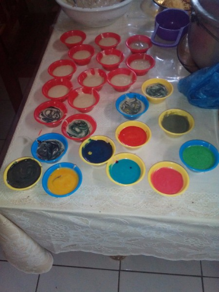 Put Cheese cups of different colors