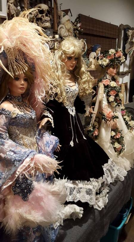 Value of Rustie Dolls - three dolls from the side