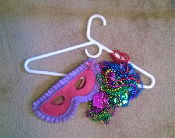 Mardi Gras Mask Door Hanging - supplies