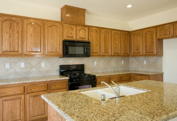 Paint Color Advice for Kitchen With Oak Cabinets | ThriftyFun on
