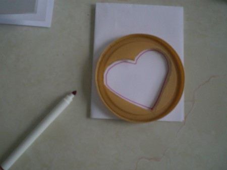Easy Kids' Valentine Cards - tracing heart shape onto card
