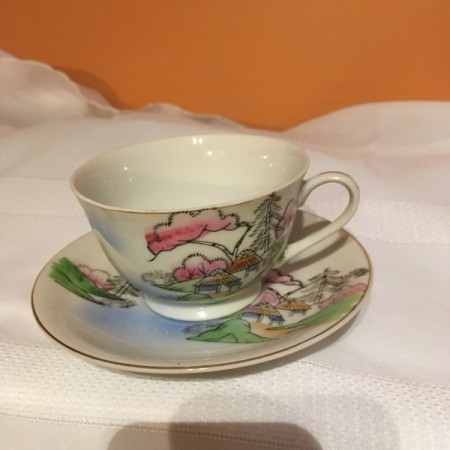 Identifying Antique China - Japanese tea cup and saucer