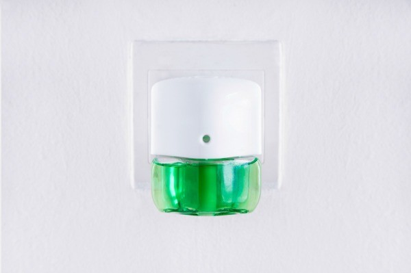 How Do Diffusers Work >> Refilling Glade Plug-ins   ThriftyFun
