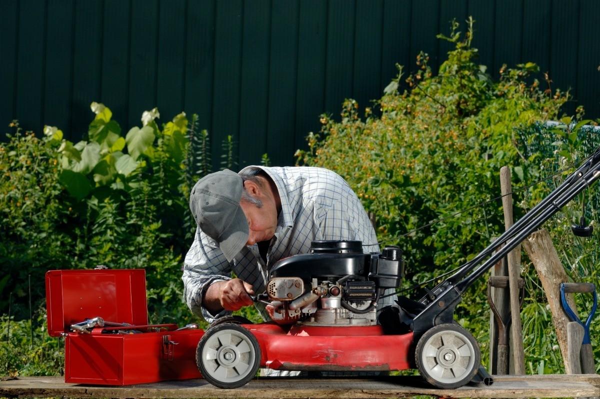 Mower With a Briggs & Stratton Engine Wont Start   ThriftyFun