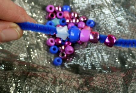 Pipe Cleaner Bracelets - closeup of beginning bead pattern