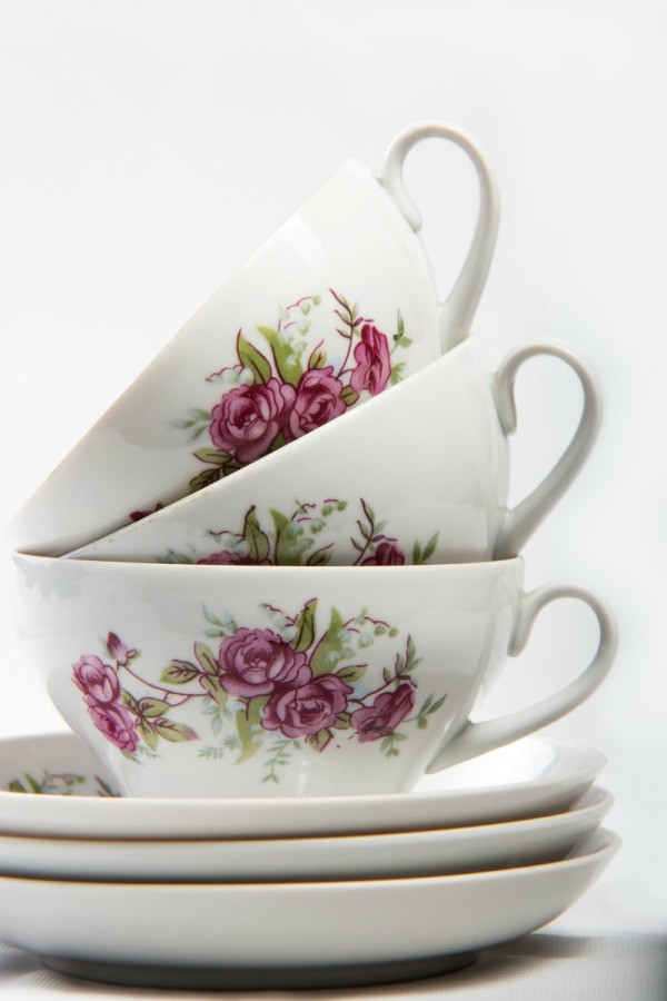Finding Inexpensive Tea Cups and Saucers | ThriftyFun