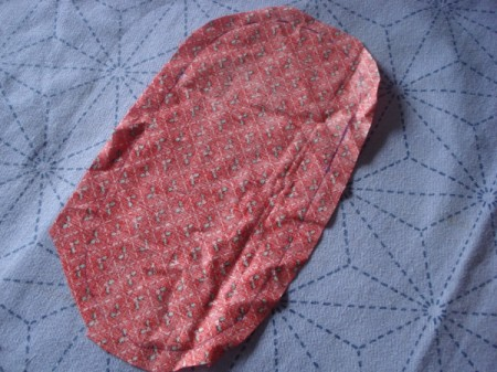 Pot Holders from Shoulder Pads - cut fabric slightly larger than pattern