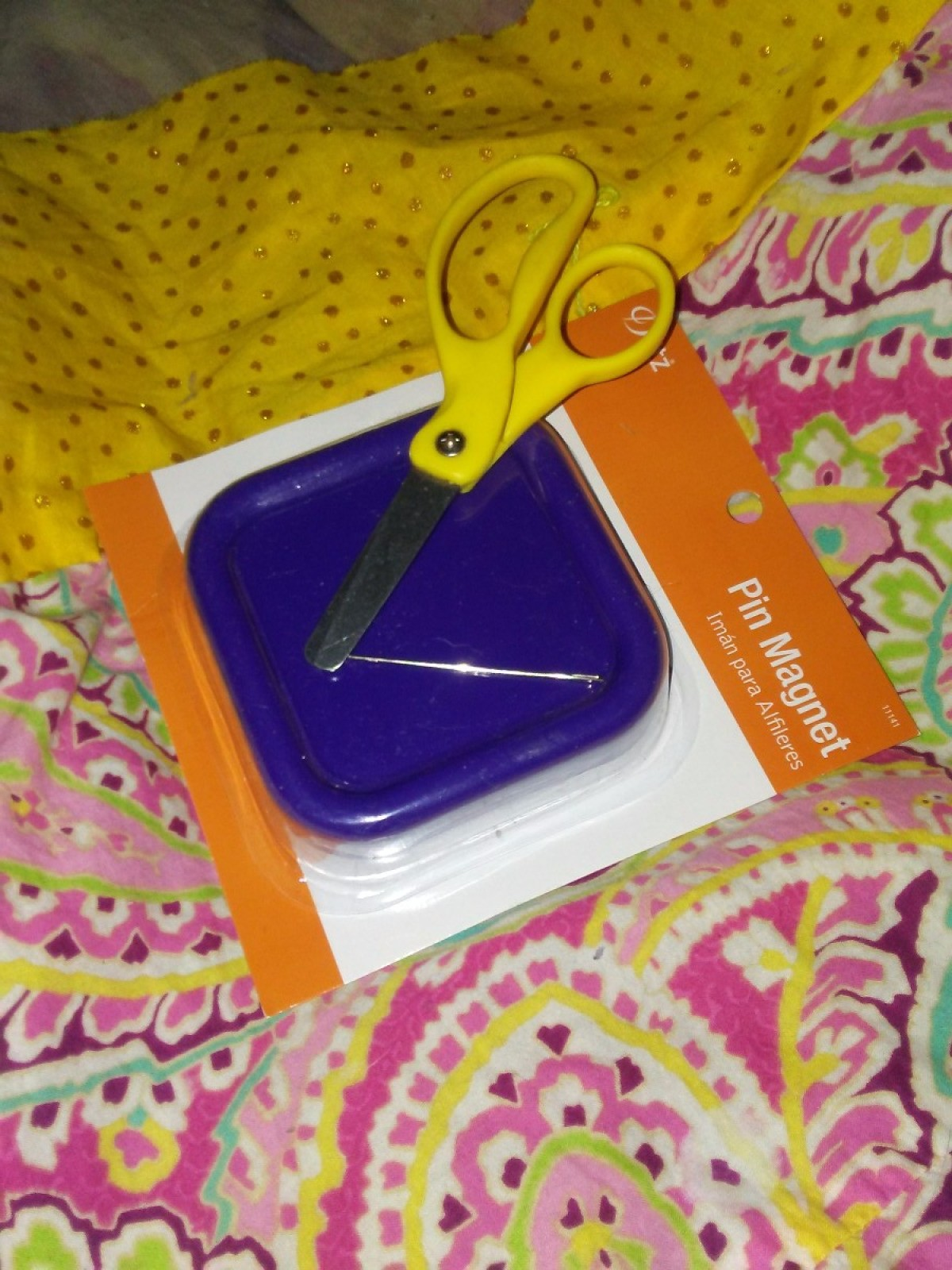 Magnetic Pin Tray For Needle And Scissors