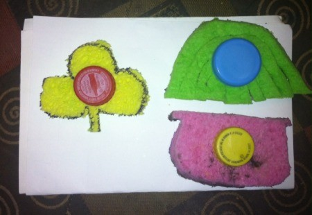 St. Patrick's Day Sponge Paintings - for young children glue a soda cap to one side of the sponge to use as a handle