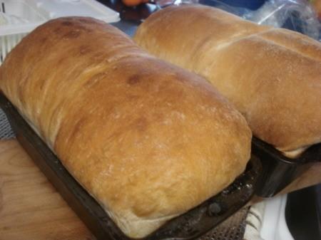 baked cinnamon sugar walnut roll