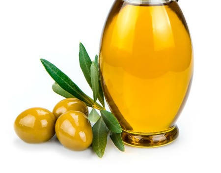 Using Olive Oil as a Moisturizer