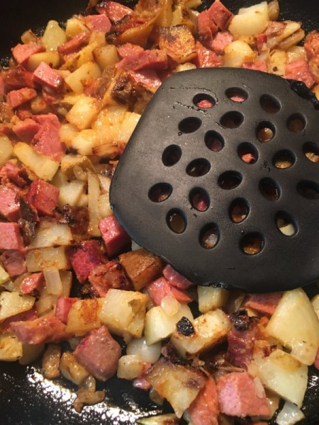A dish of corned beef hash.