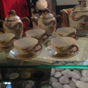 Information and Value of Dragon Motif Tea Service