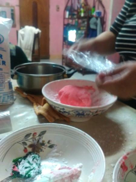 covering 3 Ingredient Fondant in plastic