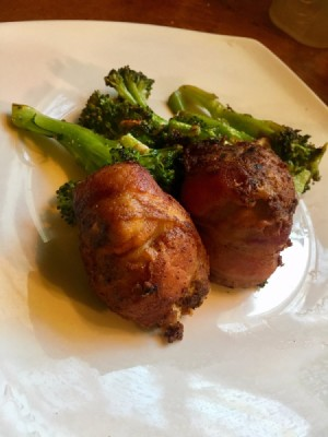 meatballs and broccoli on plate