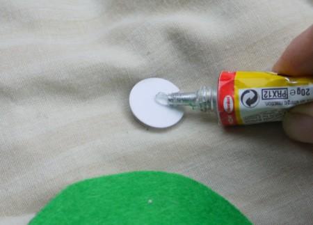 One Eyed Monster Badge - put glue on back of wiggly eye