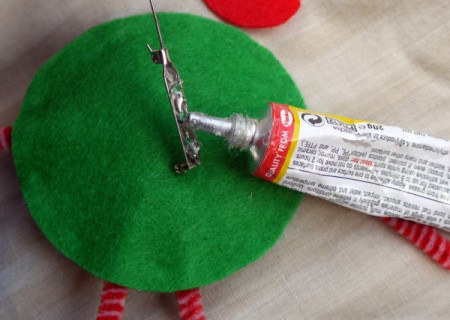 One Eyed Monster Badge - use generous amount of glue on pin