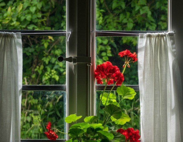Frugal Ways To Hang Curtains Thriftyfun