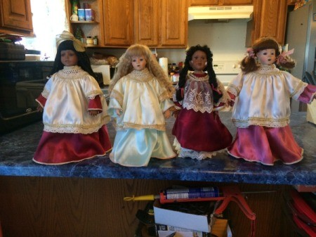 Identifying Porcelain Dolls - choir dolls