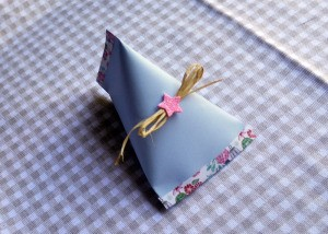 Easy Elegant Paper Party Favours - finished blue paper candy filled favor
