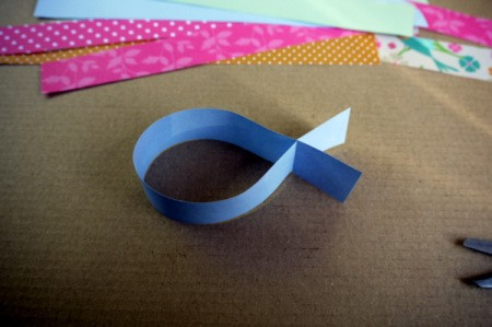 Fluttering Fish - result is a small paper fish shape