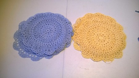 Table Cover Using Store Bought  Doilies - lay the doilies in different colors with tips touching, doilies are right side down