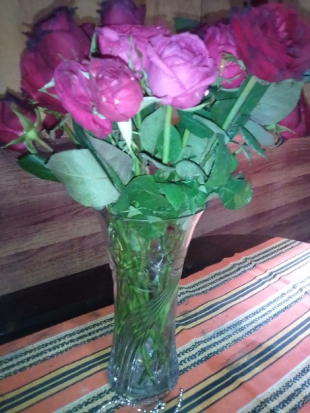 Roses in a vase for Mother's Day.