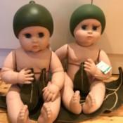 Value Ashton-Drake Snugglepot & Cuddlepie - twin dolls