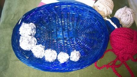 Crocheted Americana Centerpiece - make foil balls