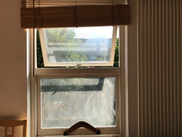 how to clean residue off windowas