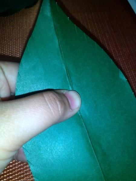 Folded Paper Leaf - pinching center fold