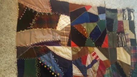 Value of 1898 Quilt Top - darker fabric squares