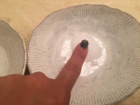 Salt for Removing Super Glue from Fingers - dip into the salt
