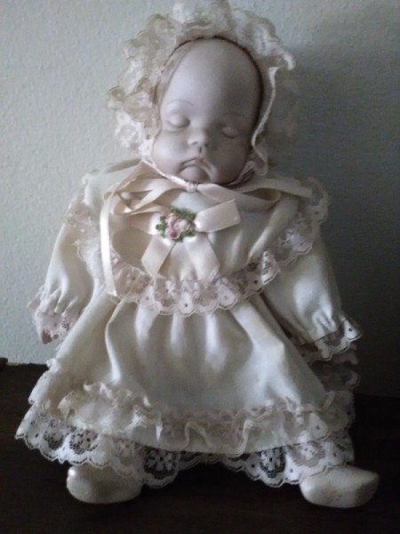 Identifying a Porcelain Babydoll