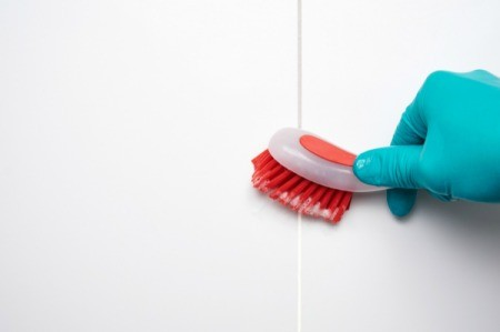 Scrubbing Mold from Bathroom Tile