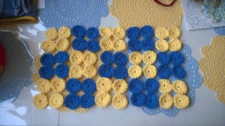 Crocheted Yo Yo Place Mat - 4 yo yo squares