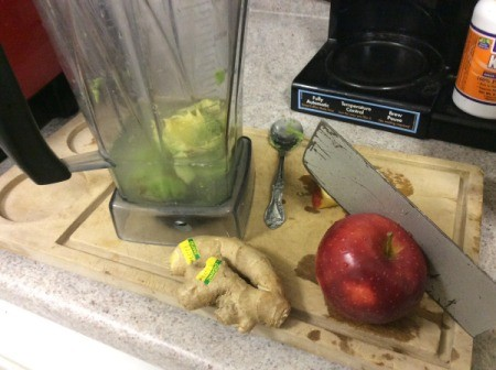 blender with avocado and apple