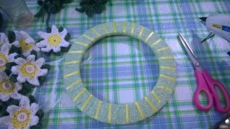 Crochet Daisy Wreath - wrap with yellow ribbon