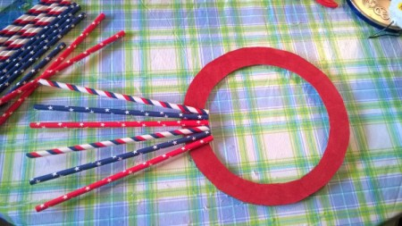 Patriotic Straw Wall Art - begin placing the straws with about 1/4 inch inside the circle