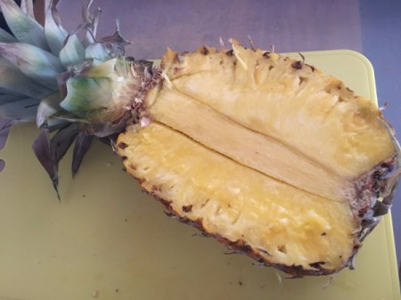 removing Pineapple core