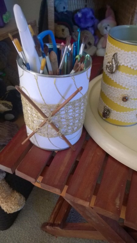 Tin Can Organizers - crochet themed can for hook storage