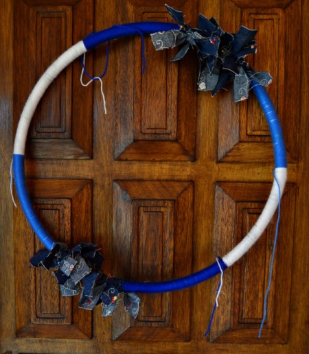 Blue Ombré Holiday Wreath - cover middle sections with white yarn