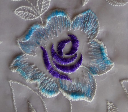 Easy Floral Lace Serviette Rings - use textile pens to highlight parts of the flowers