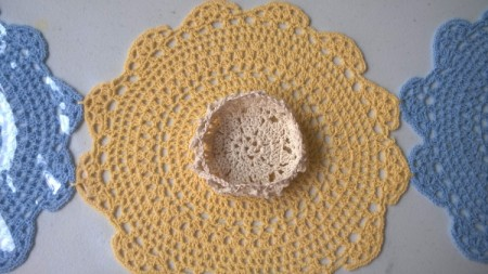 Making a Doily into a Bowl - same thing can be done with a purchased doily